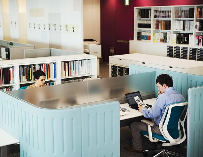 Muffle Workstation | UCI Acoustic Modular Workplace Furniture by Okamura in Japan. uci.com.au