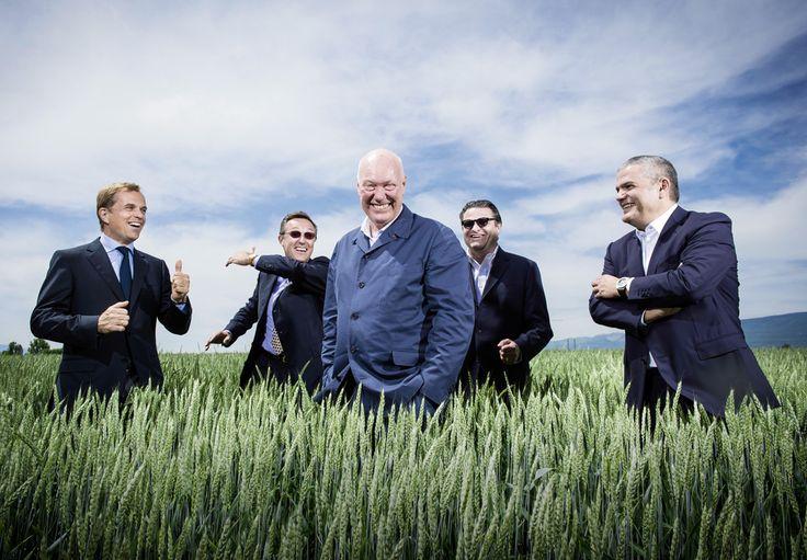 Jean-Claude Biver, le parrain de l'horlogerie suisse. De gauche à droite: Jean-Frédéric Dufour (CEO Rolex), Philippe Peverelli (CEO Tudor), Jean-Claude Biver (qu'on ne présente plus), Aldo Magada (CEO Zenith) et Ricardo Guadalupe (CEO Hublot). © François Wavre/Rezo