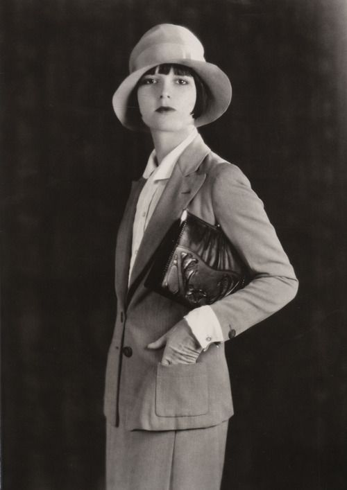 Louise Brooks photographed for Meeker Made Handbags, 1928