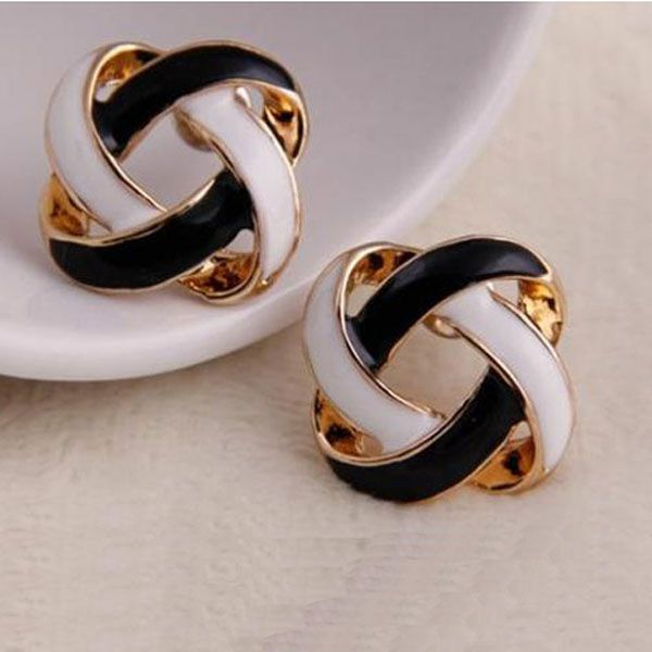 Hot 1 Pair Women Girls Korean Vintage Charming Black and White Simple Hollow Earrings Jewelry Gift