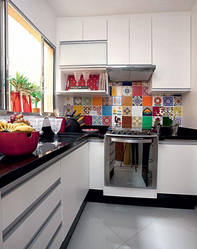 Jeito de Casa: Duas cozinhas pequenas e branquinhas!: