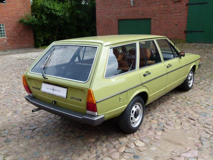Das ist mal ein Traumauto.Kenne ich aus meiner Jugend.Die Nachbarn hatten einen in Gelb und ich besaß mal den 32b.Ein schöner Wagen.Eben ein VW.