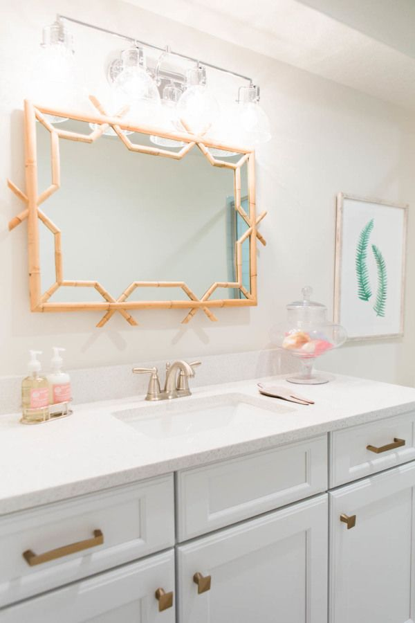 White + pink bathroom: http://www.stylemepretty.com/vault/gallery/39444 | Photography: Kate Osborn Photography - http://kateosbornephotography.com/index2.php#!/h_o_m_e
