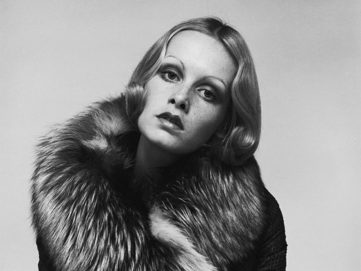 Image of an icon: 20 years of glamour and iconography reacquaint themselves with Chelsea's Kings Road.