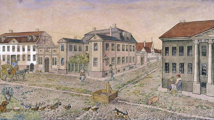Dronningens gate og tilstøtende gater var et fornemt strøk. Kong Christian IV bestemte at de rike skulle få bygge og bo i denne delen av Kvadraturen. Anna Diriks akvarell fra 1882 viser dyrelivet i denne delen av Kvadraturen på 1700-tallet.