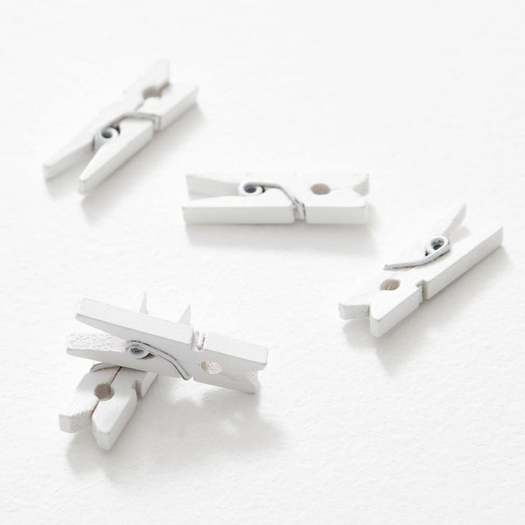 This super cute Polaroid Photo Accessory is perfect for pinning up your pics. Our artsy wooden pegs come in packs of ten or twenty, and look good decorated or as is.