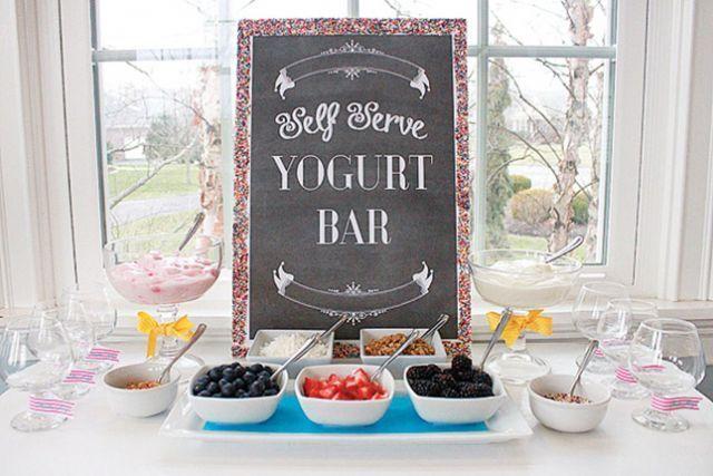 Bar à yogourt pour une fête d'enfants