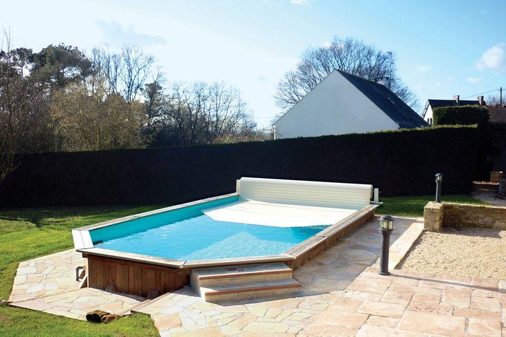 Especialmente direcionada para profissionais de piscinas, a LINOV é especializada na fabricação de liners, coberturas e equipamentos para piscinas.