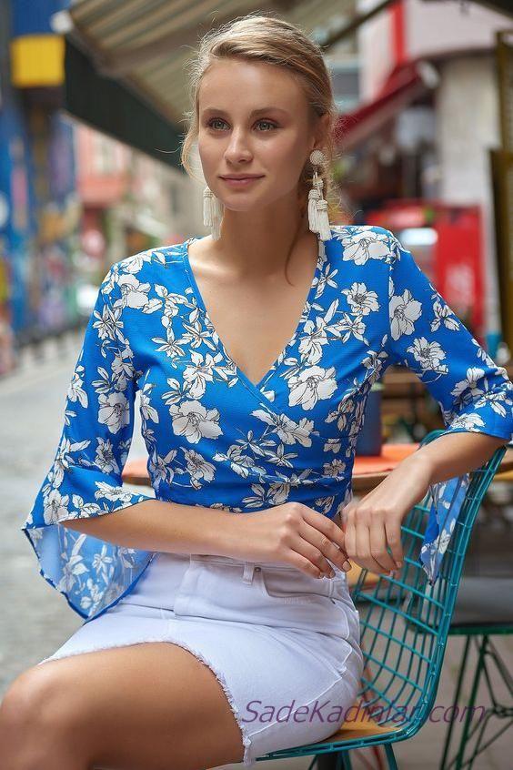 2020 yazlik sik kombinler beyaz kisa etek mavi kruvaze yaka yetim kol cicekli bluz kiyafet kombinleri bluz kiyafet moda moda stilleri