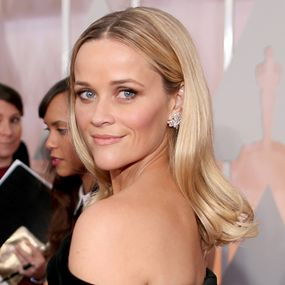Oscars 2015 Best Looks - Reese Witherspoon - Blonde Locks http://hairello.com/blog/best-looks-from-the-oscars-2015/