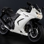 My newest obsession. My friend got a Honda CBR 250, but my other friends says GSXR is better. I'm putting the plan in motion tomorrow, WISH ME GOOD LUCK!