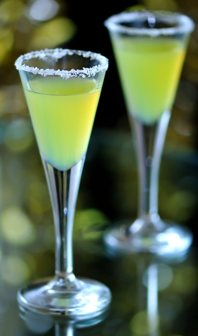 17 best images about cool green cocktails on pinterest for Green alcoholic drinks recipes