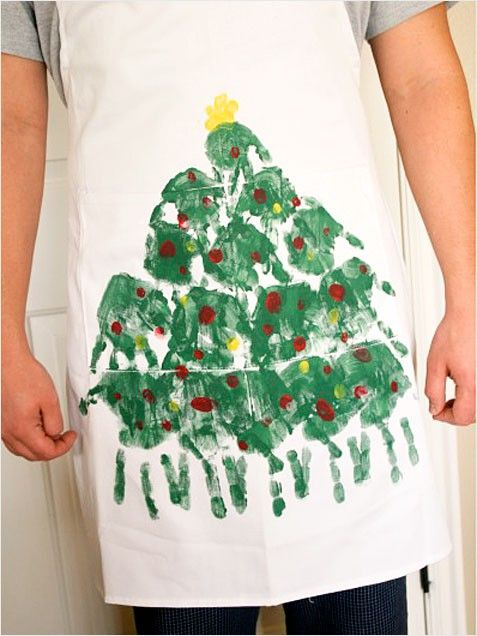 Handprint Tree Apron. #DIY #cratfs http://www.ivillage.com/homemade-gifts-kids-make/6-b-407990#407992