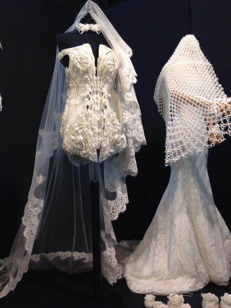 3D printed wedding dress. Crazy but stunning #MilanoDesignWeek