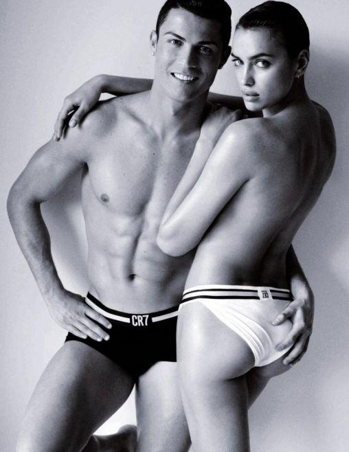 Cristiano Ronaldo ve Model Sevgilisi Irina Shayk'ın Vogue İspanya Kapak Çekimleri - İspanya Vogue Haziran sayısında, Mario Testino tarafından çekilen ünlü futbolcu ve model kız arkadaşı Irina Shayk'ın kapak görüntüleri oldukça cesur.