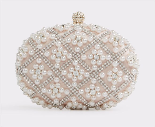 5 Clutches That You Ll Want For Your Wedding Day Houston Wedding Blog Bridal Accessories Earrings Wedding Accessories Jewelry Bridal Accessories Headpieces