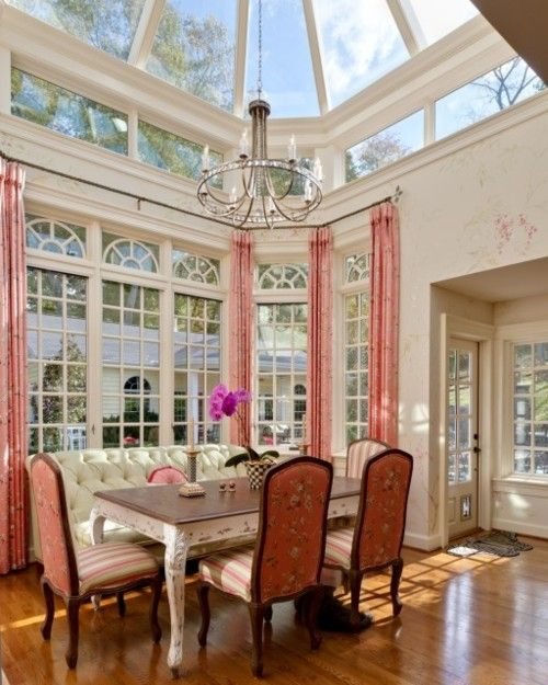 so much sun! This looks amazing!Dining Area, Dining Room, Kitchens Design, Sunrooms, Traditional Kitchens, Breakfast Nooks, Sky Lights, Breakfast Room, Sun Room