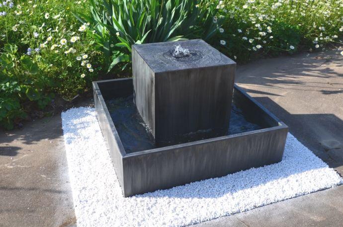 Les 25 meilleures id es concernant pompe pour fontaine sur for Bassin a debordement