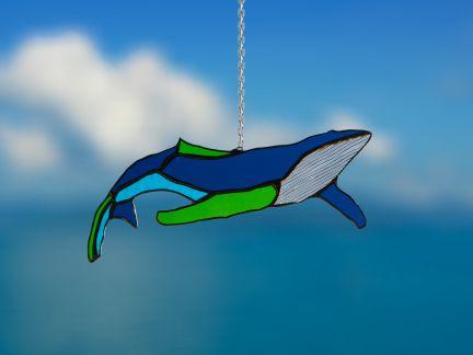 Витражный ловец снов в технике Тиффани «Горбатый кит»