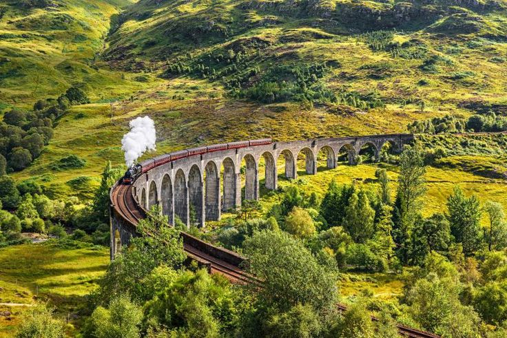 Everybody, who has seen the Harry Potter movies remembers the legendary Hogwarts train, that leaves from Platform 9 ¾. Although its real name is the Jacobite Steam Train, the Scotland route is know…