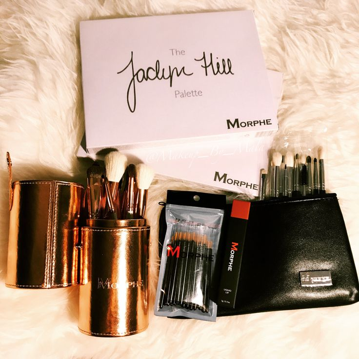 My @jaclynhill x @morphebrushes palette is here & of course I got an extra to add to my upcoming #giveaway. I also picked up the copper brush set, the eye brush set, the #liquidlipstick in pean…