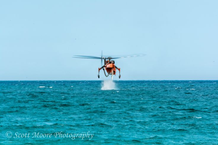 i have never seen a fire fighting helicopter filling up from the ocean