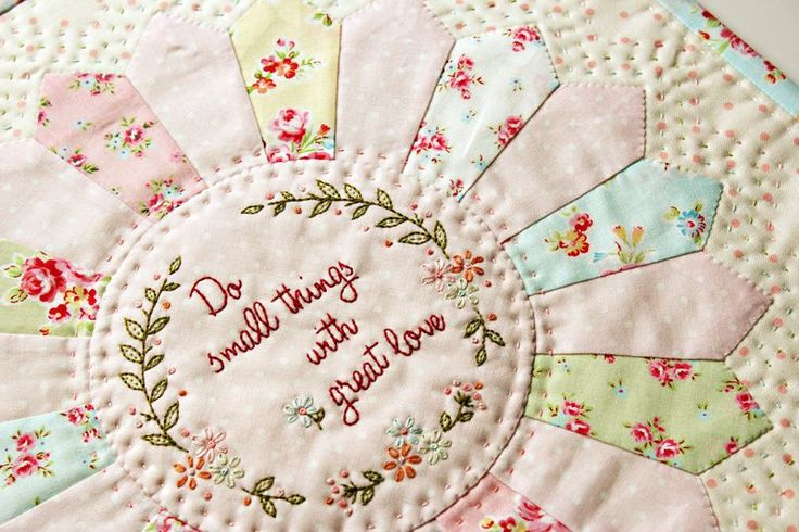 So prettySmall Things, Embroidery Pattern, Free Pattern, Beautiful Quilt, Minis Quilt, Favorite Quotes, Mothers Teresa, Quilt Pattern, Dresden Plates