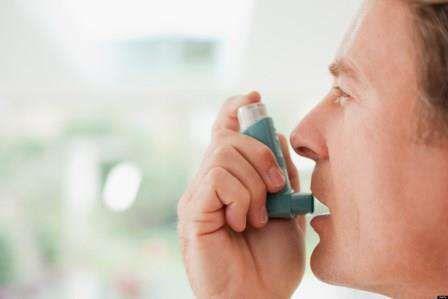 Respiratia suieratoare, lipsa de aer si alte complicatii respiratorii frustrante fac orice suferind de astm sa isi doreasca sa scape de ele. In loc de sprayuri si medicamente care pot fi scumpe si deseori au efecte secundare, ar putea fi de folos consumul anumitor alimente.  Ca regula de baza, fructele si legumele proaspete sunt esentiale in...