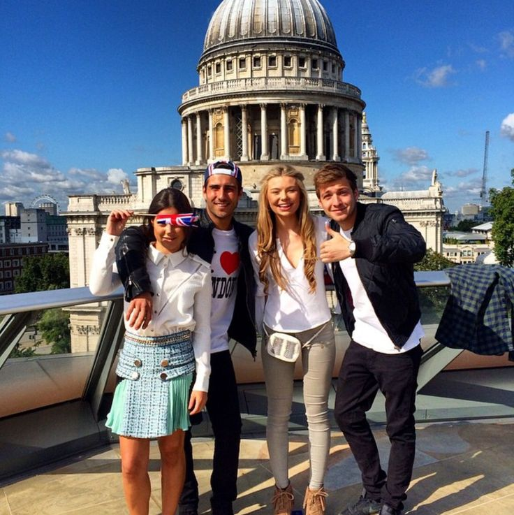 London sight-seeing: Louise, Alik, Toff, and Sam.