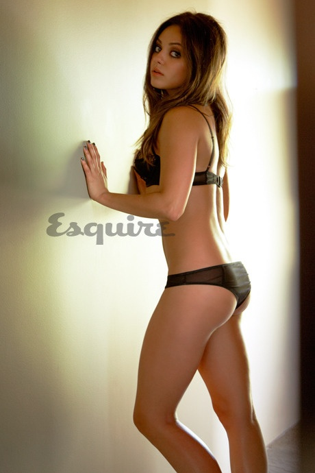 Mila kunis sexy bikini photo
