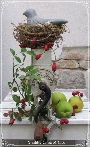 Alte Mandelmühle im shabby Look von Shabby Chic & Co. auf DaWanda.com
