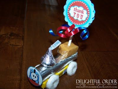 Really cute candy trains... would make cute party favors for a train themed birthday party or present topper!