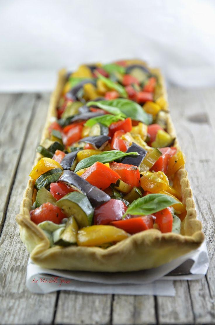Torta salata con ricotta al pesto e verdure