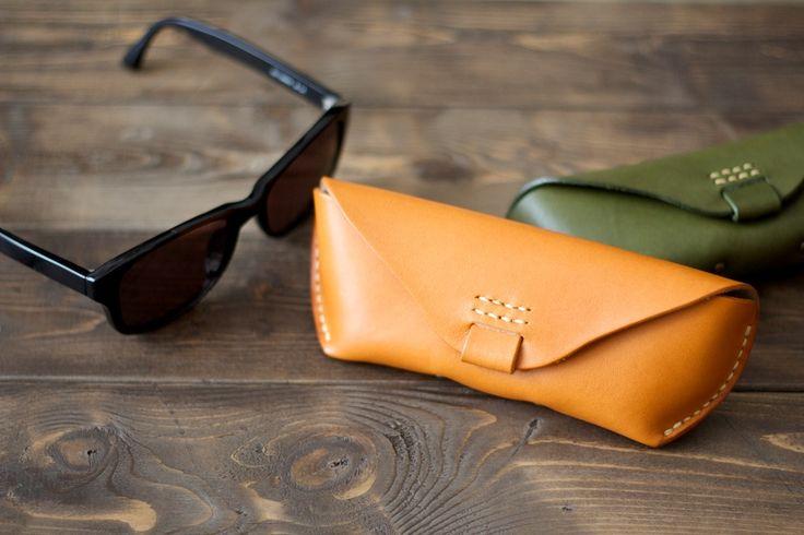 大きめサイズの手縫い革製メガネケース | 革小物のDURAM FACTORY