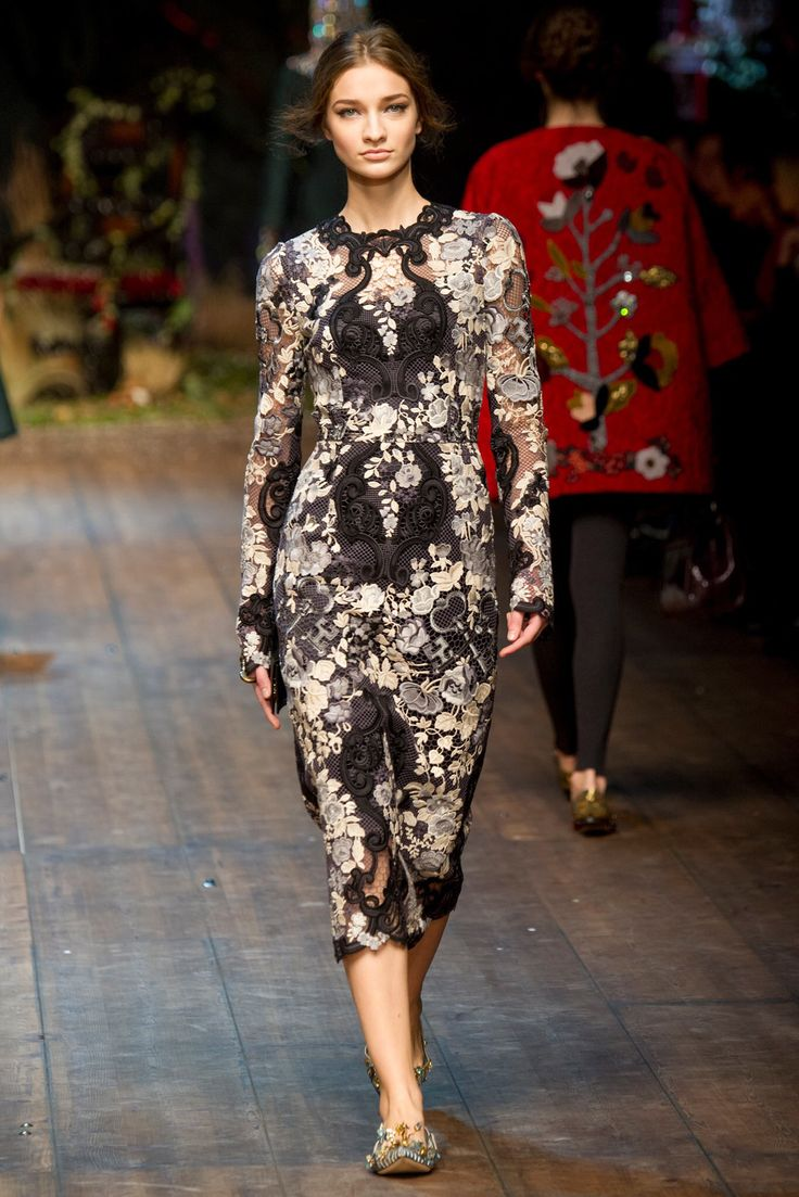 See the complete Dolce & Gabbana Fall 2014 Ready-to-Wear collection.