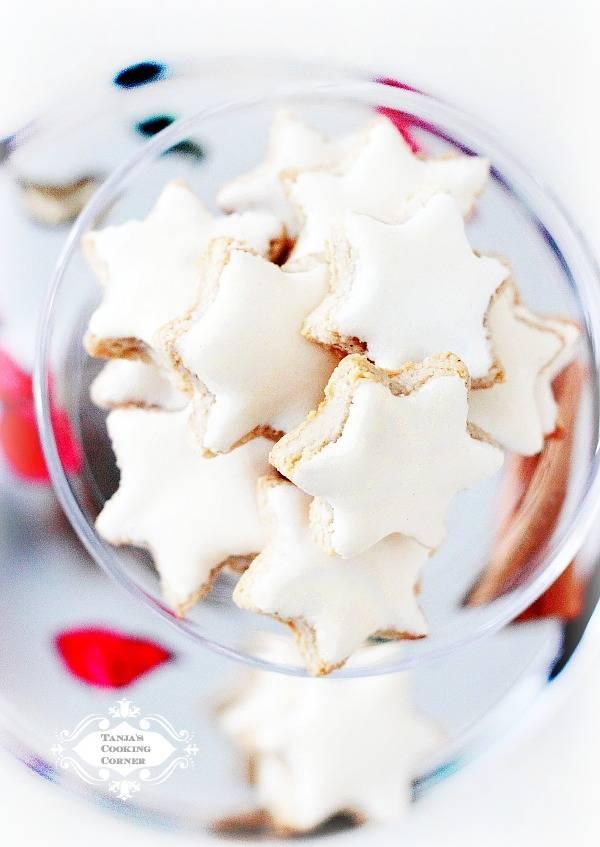 Cinnamon Stars/ Zimtsterne. Traditional German Christmas Cookies. #christmas #cookies #recipe. http://tanjascookingcorner.blogspot.co.at/2012/12/zimtsterne-cinnamon-stars.html