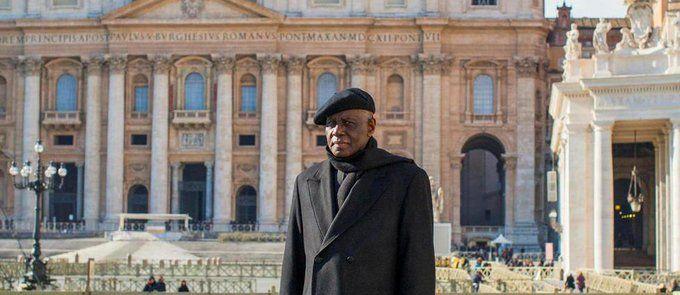 """Dans """"La Force du silence"""" (éditions Fayard), le cardinal guinéen Robert Sarah déclare la guerre à la """"dictature du bruit"""". Captivant."""