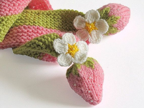 SALE Pink strawberry scarf for little Lady, hand knit baby scarf, baby girls pink scarf on Etsy, $20.00