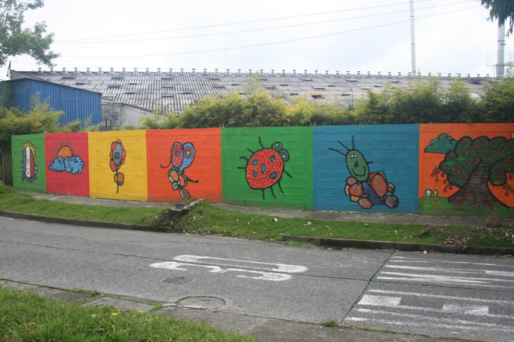 Murals in a row in Manizales