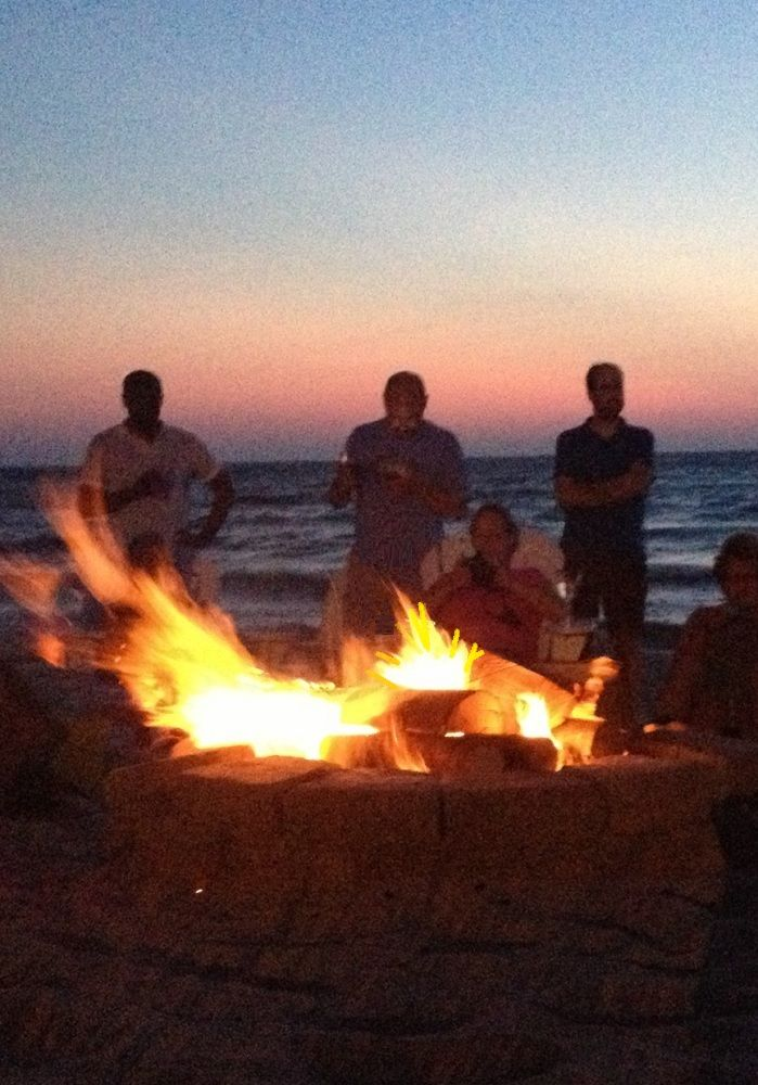 1000+ images about Beach Bonfire on Pinterest | Wedding ...