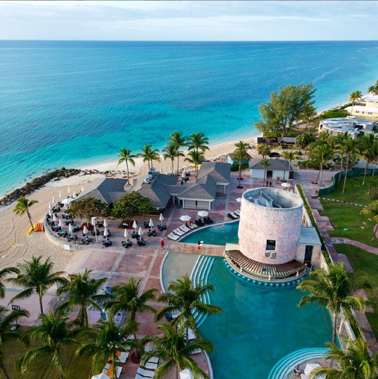 This Grand Bahama Island resort (and sister property to the Memories Splash Punta Cana) is great for couples or families: the all-inclusive package includes complementary golf at the Robert Trent Jones designed Reef Club Golf Course, splashing to your hea