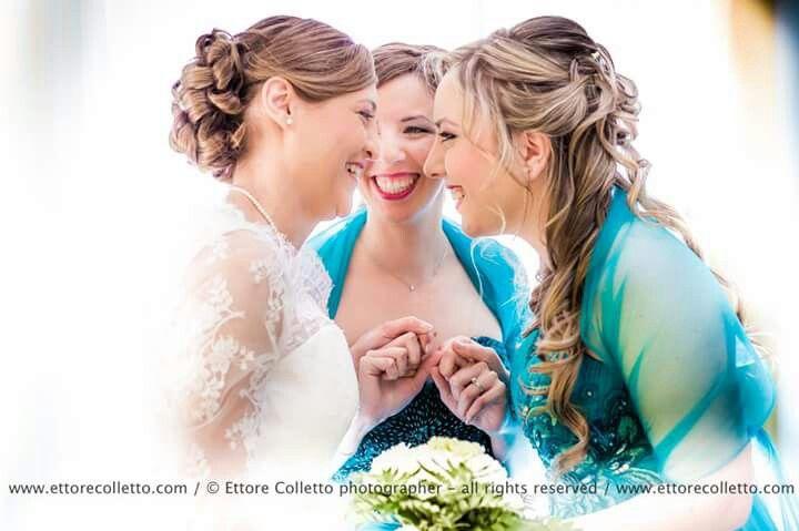 Bride and bridesmaid Ettore Colletto - fotografo per matrimoni Sicilia ( Italy ) www.ettorecolletto.com