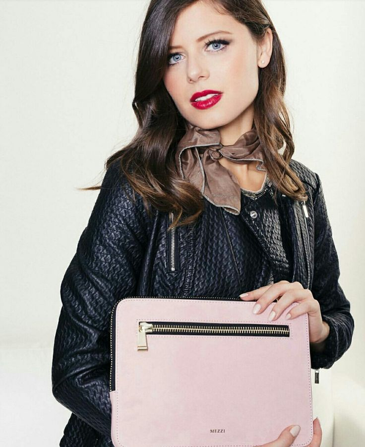 Exciting News!!! Luxury fashion brand MEZZI is looking for new brand ambassadors. If you are obsessed about fashion, this is the right place for you. Good luck fashionistas 👜 Get more info by clicking (just copy and paste) this link: https://mezzi.tapfiliate.com/programs/mezzi-brand-ambassador/signup/?via=91316