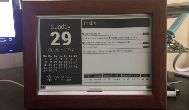 Use a Raspberry Pi and E-Ink Display to Build a Desktop Monitoring Station for Vital Information