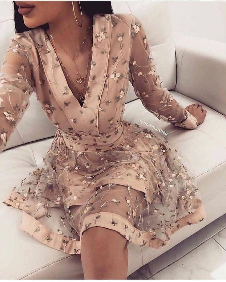 Você usaria esse vestido? ➡️}. Deixe sua opinião nos comentários ⤵️ ….