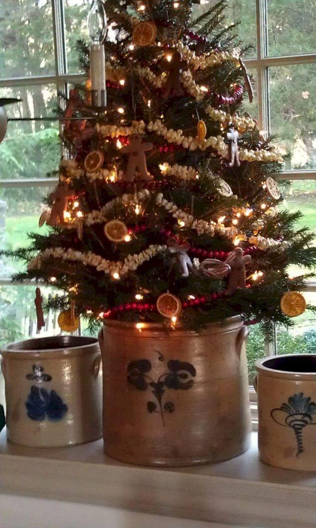 40 Gorgeous Farmhouse Christmas Decorations Ideas Primitive Christmas Tree Primitive Christmas Decorating Primitive Country Christmas
