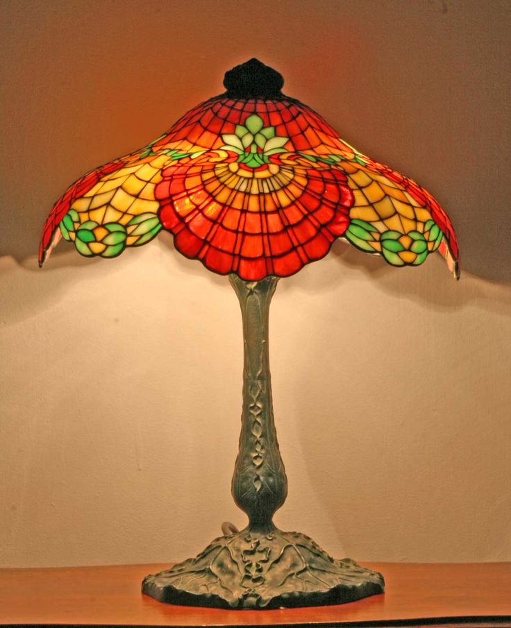 Love this fabulous Tiffany lamp!: Tiffany Lamps, Style Lamps, Glasses Tables Lamps, Antiques Lights, Lamps Tiffany, Antique Lamps, Leaded Glasses, Glasses Lamps, Stained Glasses