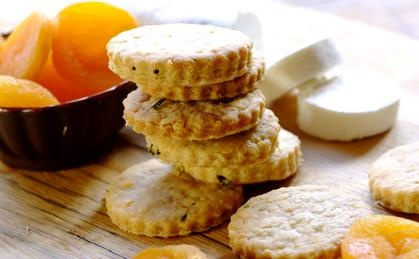 Black Pepper and Chive Cheese Biscuits