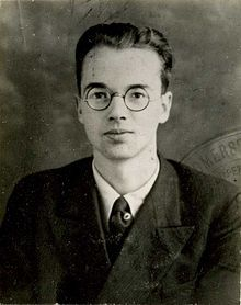 Police photograph of Klaus Fuchs ca. 1940-was a German-born British theoretical physicist and atomic spy who, in 1950, was convicted of supplying information from the American, British, and Canadian Manhattan Project to the Soviet Union during and shortly after the Second World War. While at the Los Alamos National Laboratory, Fuchs was responsible for many significant theoretical calculations relating to the first nuclear weapons, and later, early models of the hydrogen bomb