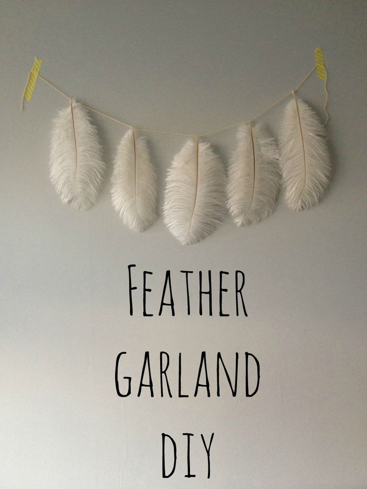 Feather Garland DIY - Crafts on Sea - A quick and easy tutorial to brighten up your home or a great decoration idea for a party!